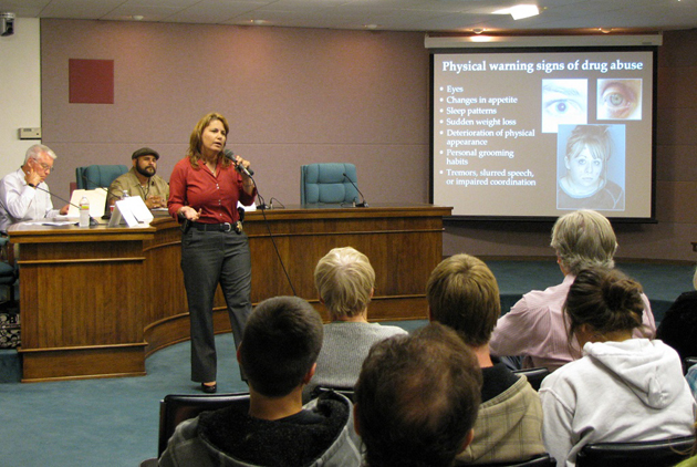 Sgt. Sandra Brown of the Santa Barbara County Sheriff's Department Coroner's Office explains the warning signs of prescription drug misuse and abuse at a public forum Wednesday night hosted by Carpinteria Cares for Youth.
