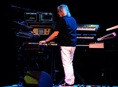 Master keyboardist Geoff Downes lived up to his reputation Thursday night. (Gary Lambert / Noozhawk photo)