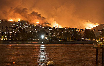 On the Thursday night it began, the Tea Fire provided a panoramic view of ferocity from the vantage point of Stearns Wharf.