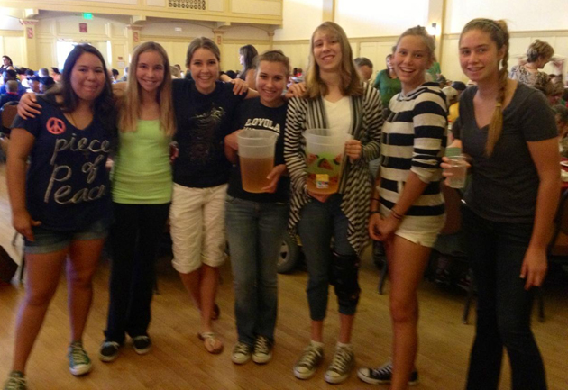 <p>Teens from Goleta Presbyterian Church serve as the beverage crew for the Kiwanis&#8217; Thanksgiving luncheon Wednesday at Carrillo Recreation Center.</p>