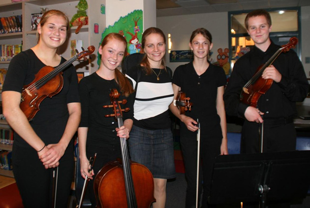 <p>The 2011-12 Santa Barbara Strings Quartet after an Arts &amp; Lectures Master Class with Julia Fischer.</p>