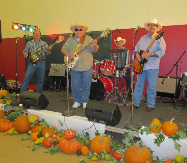 Country band Dusty Jugz: Dan Herrera, Wil Henderson, Curtis Lopez and Roger Gilbert.