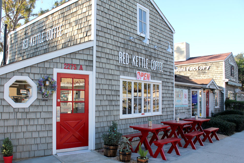 Summerland now has its own coffee shop, with the opening of  Red Kettle Coffee at 2275 Ortega Hill Road.