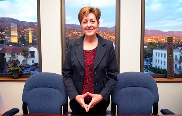 Chandra Wallar was all smiles in 2010 when she took over as CEO of Santa Barbara County. She now reportedly is negotiating for the top job in Orange County. (Lara Cooper / Noozhawk file photo)
