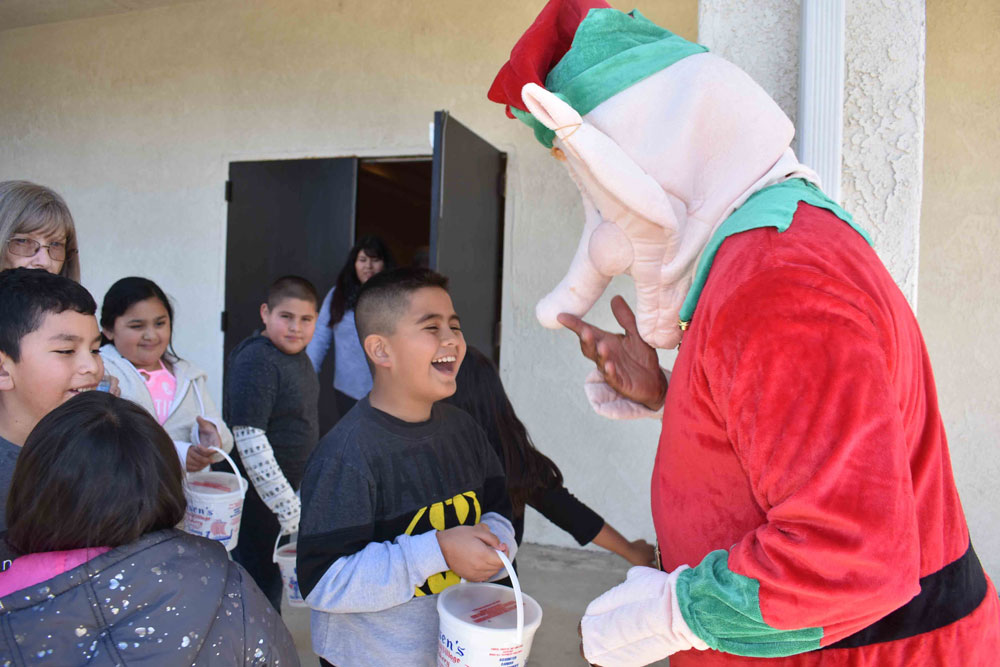 Five Special Education Vips Very >> Solvang Vikings Christmas Party Sparks Smiles For Special Needs