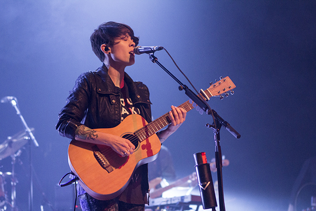 Canadian indie rock duo — and twin sisters — Tegan and Sara were also part of the Winter Round-up lineup. (Garrett Geyer / Noozhawk photo)