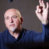 Peter Gabriel happily sang into the night at the Santa Barbara Bowl, actually going beyond the concert venue's 10 p.m. curfew.