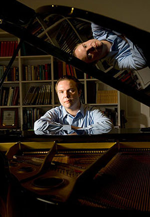 Ignat Solzhenitsyn will play the piano and conduct the Los Angeles Chamber Orchestra in a Community Arts Music Association performance at 8 p.m. Monday at The Granada.
