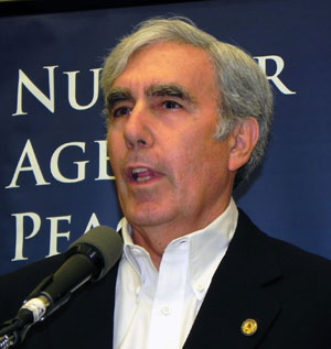 David Krieger, president of the Nuclear Age Peace Foundation, introduced guest speaker Helen Caldicott to an overflow audience at the Santa Barbara Central Library's Faulkner Gallery.