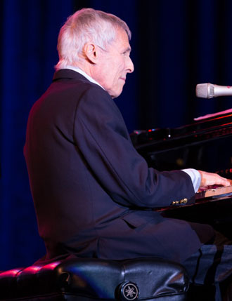 Between songs, Burt Bacharach shared stories from his decades-long career as a top-notch star performer and songwriter. (Dwight McCann photo / Chumash Casino Resort)