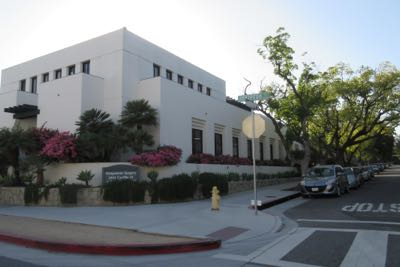 The Santa Barbara Outpatient Surgery Center has four surgical suites and a workforce of 40 employees. (Bill Macfadyen / Noozhawk photo)