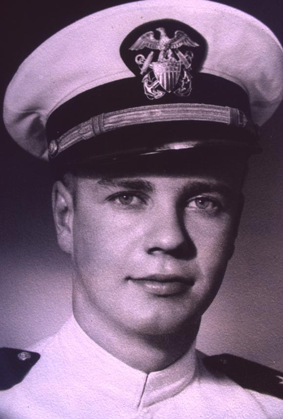 Bob Kallman enlisted in the Navy in 1943 at age 18, and was on active duty in World War II and the Korean War aboard the USS Alabama and the USS Golden City.