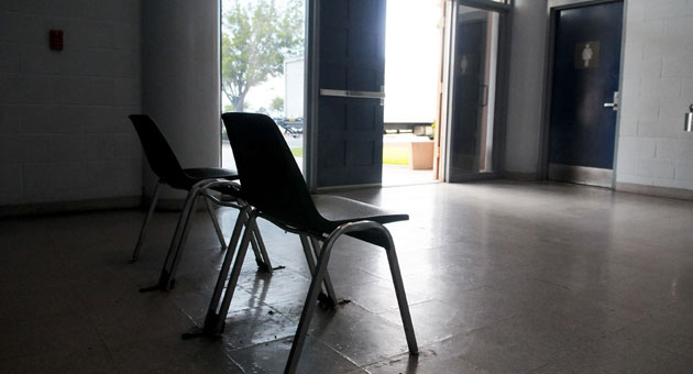 The lobby of the Santa Barbara County Jail is as spartan as it gets, with just two chairs and access to restrooms. (Lara Cooper / Noozhawk photo)