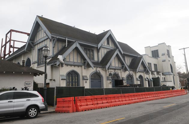The front facade of the 80-year-old Victoria Hall Theater at 33 W. Victoria St. will undergo only minor changes during its renovation. (Lara Cooper / Noozhawk photo)