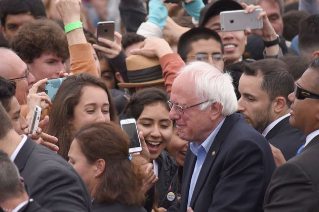 Bernie Sanders was mobbed by his enthusiastic crowd sources at Santa Barbara City College. (Ryan Cullom / Noozhawk photo)