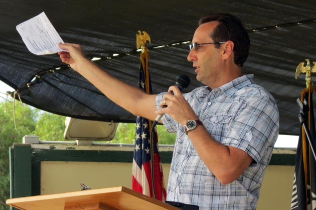 <p>Santa Barbara County Fifth District Supervisor Steve Lavagnino gets Saturday&#8217;s Stand Down event started at the Santa Maria Fairpark.</p>