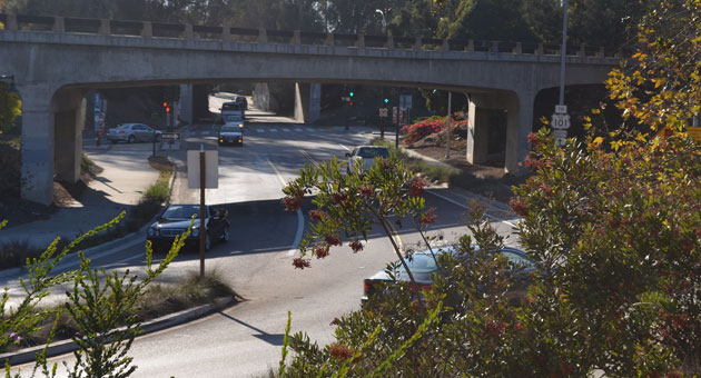 The ongoing Highway 101 widening project includes the addition of carpool lanes through Montecito, the elimination of left-side entrance and exit ramps at Cabrillo Boulevard and Sheffield Drive, and the closing of the southbound Los Patos Way exit ramp. (Giana Magnoli / Noozhawk file photo)