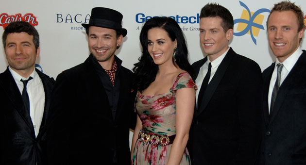 Katy Perry with The Tenors at the Dream Foundation's 11th annual Celebration of Dreams gala at Bacara Resort & Spa. (Gary Lambert / Noozhawk photo)