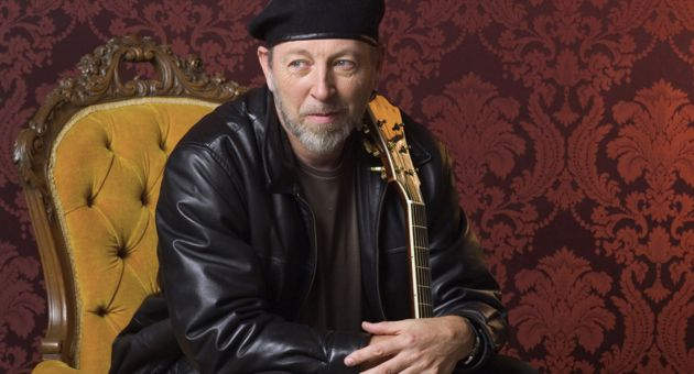 <p>Richard Thompson kept an enthusiastic Lobero Theatre audience entertained with nearly 2½ hours of stellar songs, phenomenal guitar playing and an amusing running commentary throughout the show.</p>