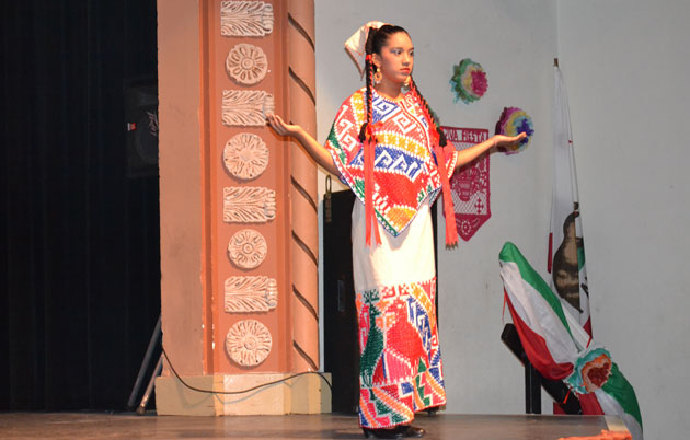 <p>Santa Maria High School Ballet Folklórico students&#8217; colorful costumes reflected and captured the hard-working status of the working class from small villages in Mexico.</p>