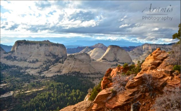 Zion National Park's Phantom Valley from the West Rim. (Tam Hunt photo)