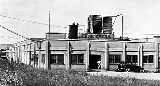 Puritan Ice's plant in Atascadero circa 1930. The building is still standing.