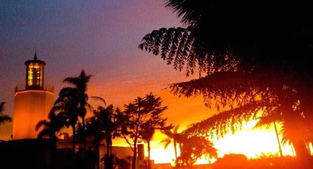 Sunday's sunset at Butterfly Beach in Montecito included a fiery, pink sky. (Dana Fisher photo / www.santabarbarafun.net)
