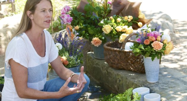 Kristen Cramer's new art-based business, Global Eye, provides locally grown flowers in a handmade vessel. (Lili De Voto / Noozhawk photo)