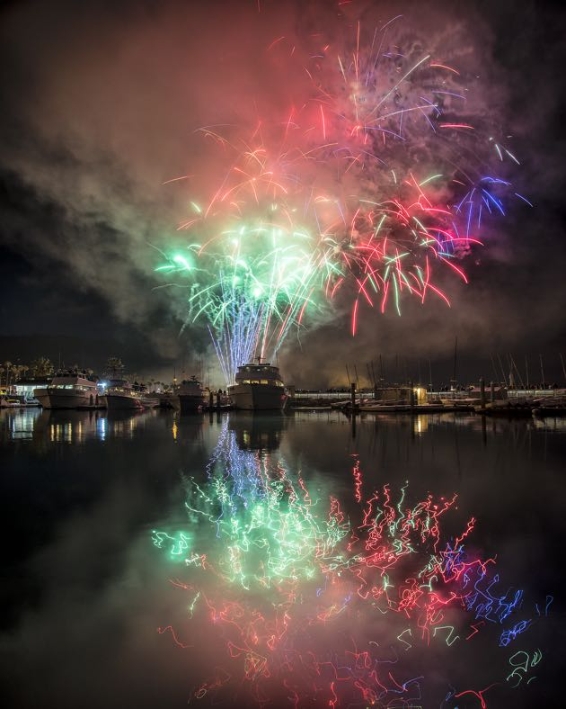 From the marina, Santa Barbara's Fourth of July fireworks were works of art. (Ronald Williams photo)