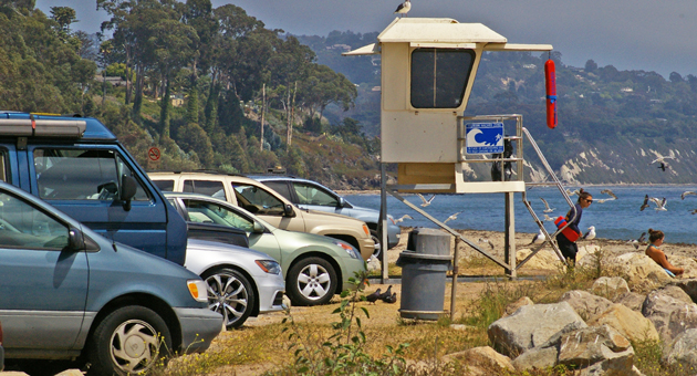 Visitors to Goleta Beach, above, and several other Santa Barbara County parks will continue to be able to park without being charged if the Board of Supervisors follows the recommendation of the Parks Commission. (Tom Bolton / Noozhawk photo)