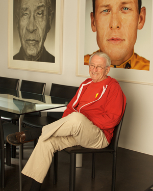 Architect Barry Berkus, who died Friday, was photographed for a 2009 Noozhawk profile story. (Jenn Kennedy file photo / www.kennedypix.com)