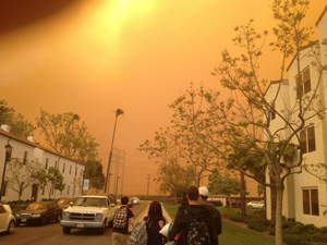 Smoke enshrouds the campus of Cal State Channel Islands, which was evacuated Thursday due to a wind-driven wildfire raging nearby. (KEYT News photo)