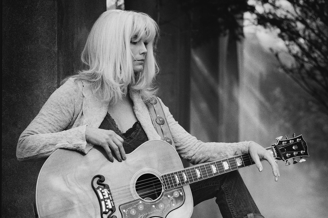 Legendary Trio member and solo artist Emmylou Harris returns to Santa Barbara Friday, July 8, 2016.