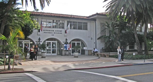 Gov. Jerry Brown's proposed budget for 2013-14 could delay plans to build a new courthouse in downtown Santa Barbara. The new building would aim to consolidate all eight criminal courtrooms and solve the overcrowding and security issues of the current Figueroa Street courthouse, above. (Giana Magnoli / Noozhawk photo)