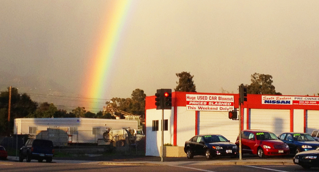 A brilliant rainbow, seen here at the intersection of Hollister and Kellogg avenues, was visible throughout the Goleta Valley Wednesday afternoon. Forecasters were calling for sunny skies Thursday and Friday, with a chance of rain returning this weekend. (Tom Bolton / Noozhawk photo)