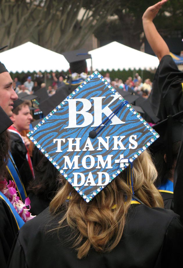 One student used her mortarboard to thank her mom and dad. (UCSB photo)