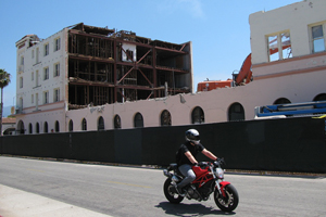 Only part of the Hotel Californian's shell remains Wednesday as demolition crews tear down the structure to make way for the La Entrada development. (Giana Magnoli / Noozhawk photo)
