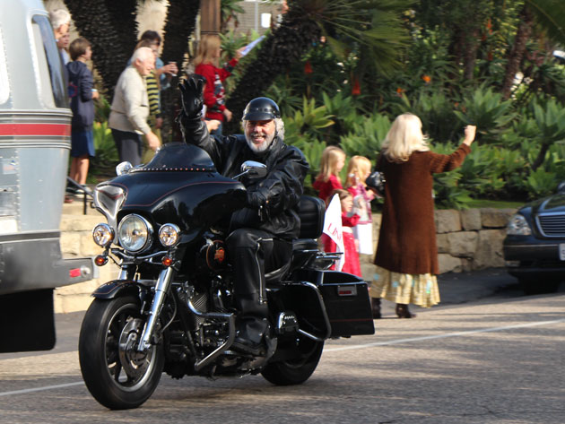 Parishioners at Our Lady of Mount Carmel Catholic Church turned out to cheer on the motorcyclists. (John Palminteri photo / www.keyt.com)