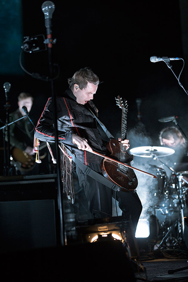 Jonsi Birgisson is well known for playing a bowed guitar. (Garrett Geyer / Noozhawk photo)