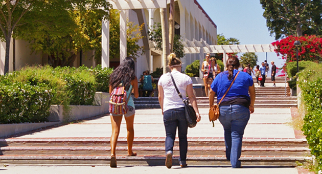 Students at Santa Barbara City College, above, and Hancock College will be limited in repeating art, physical-education and other classes under a new statewide community colleges policy. (Tom Bolton / Noozhawk photo){