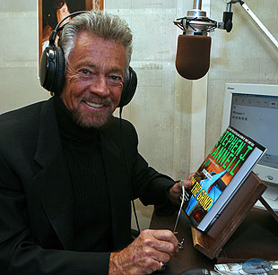 Hollywood producer Stephen J. Cannell drove from Los Angeles to read what he wrote in his latest book, 'On the Grind.'