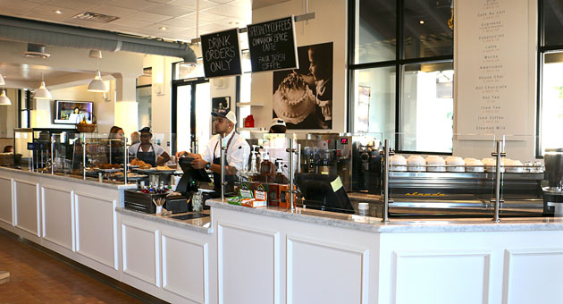With the presence of Jeannine's Bakery and a half-dozen other Santa Barbara restaurants at The Shoppes at Westlake Village, locals from here may feel right at home among locals there. (Jeannine's Bakery photo)