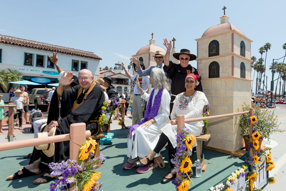 A float depicting the Santa Barbara MIssion makes its way down the parade route.
