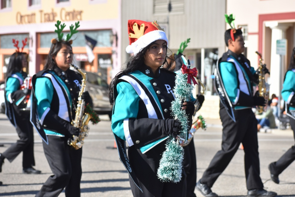 Orcutt Christmas Parade 2020 Old Town Orcutt Gets a Good Read on Christmas at 58th Annual