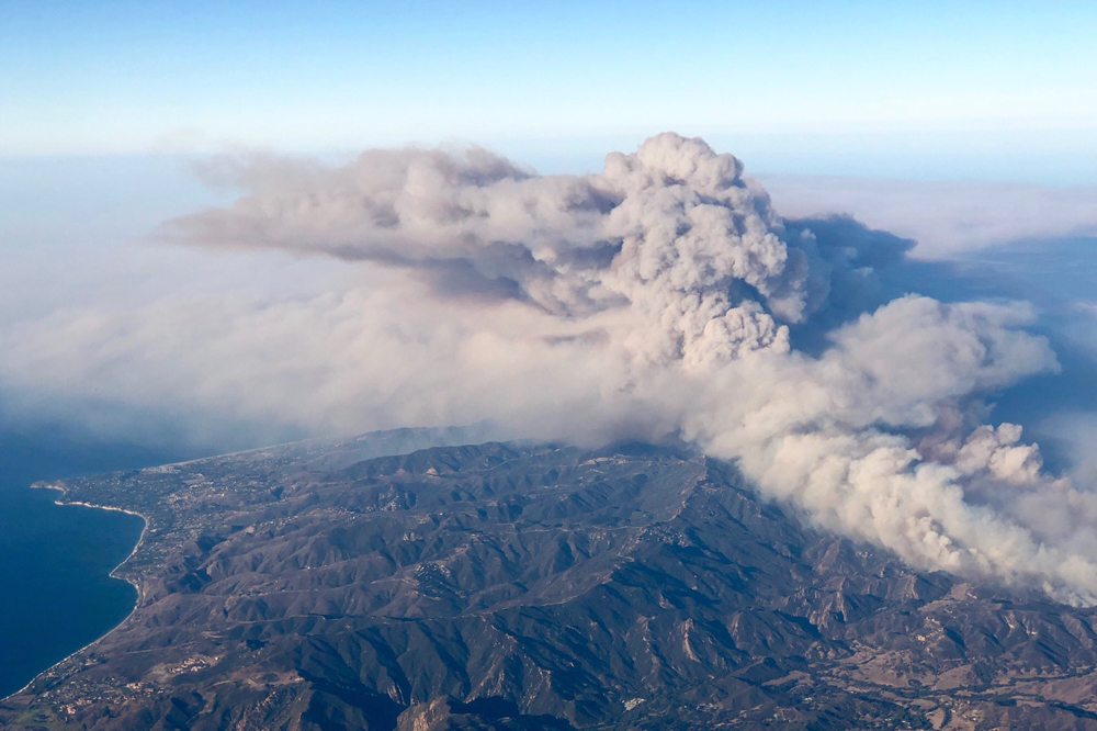 Los Angeles Fires Update >> Firefighters Continue Battle to Slow 2 Big Ventura County Wildfires | Local News - Noozhawk.com