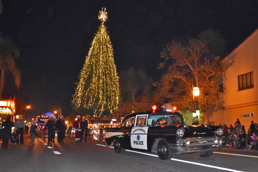State street lights up for 65th annual downtown santa for Family motors santa maria ca