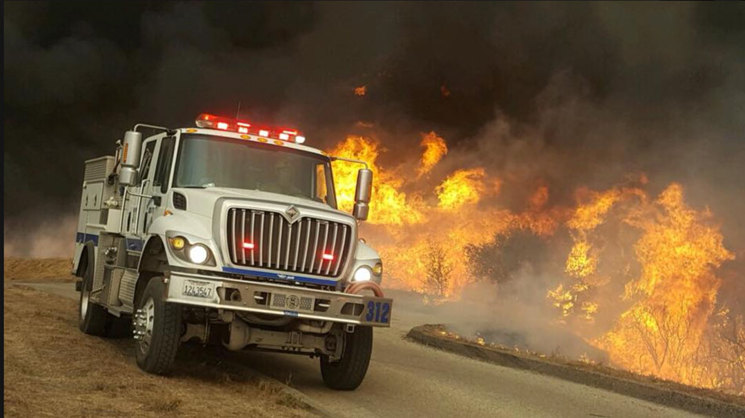 Ken Wilson Ford >> Evacuations Expanded to Santa Barbara as Thomas Fire, Now at 230,000 Acres, Marches West | Local ...