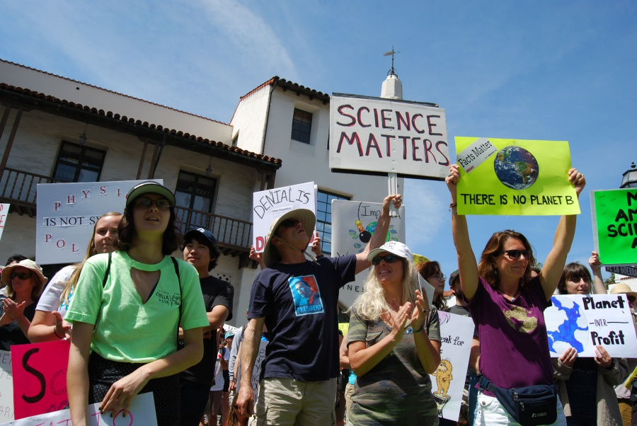 Thousand of supporters packed Santa Barbara's De la Guerra Plaza on Saturday to celebrate their passion for science and a call to safeguard and support the scientific community.
